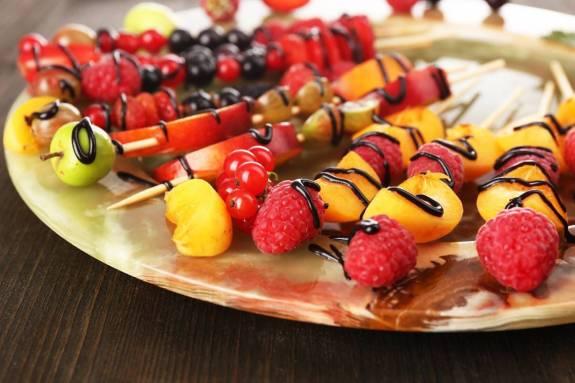 brochetas-de-fruta-para-este-verano1