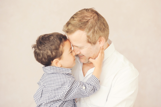 sweet-daddy-son-portrait-nose-to-nose-best-photographer-kids-and-family-brentwood